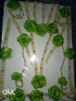 Flower jewllaries for special occasion