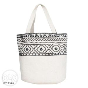 Non leather handbags starting at just Rs.350 only