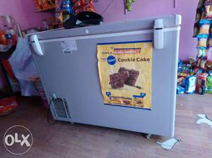 Deep icecream freeze for sale 300 ltr. 2 month