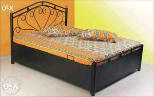 Metal brand new 6x4 bed with matres frm online