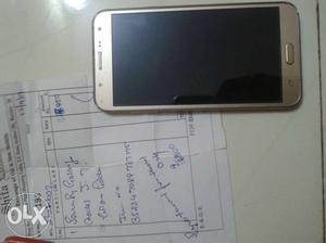 Samsung j7 koi bhi problem nahi hai bhai phone me