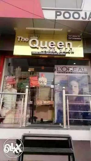 Salon ki job hai only for girls need. 707 =