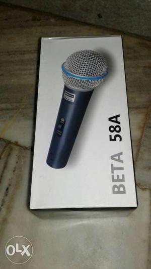 Black Beta 58A Wireless Microphone Box