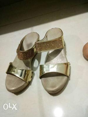 Golden platform heels with diamonds. size 8