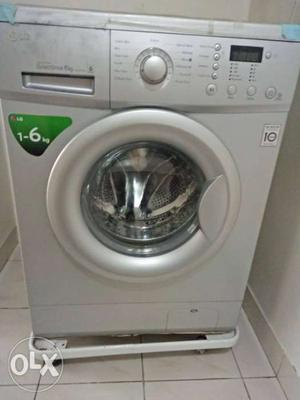 LG front load washing machine in very good