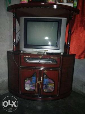 LG Flatron 21 inches color TV WITH TV Trolee with