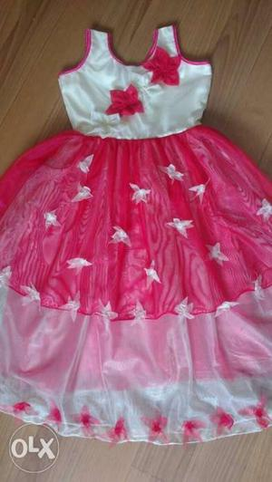 White and pink flowery frock for girls to 6 to 7