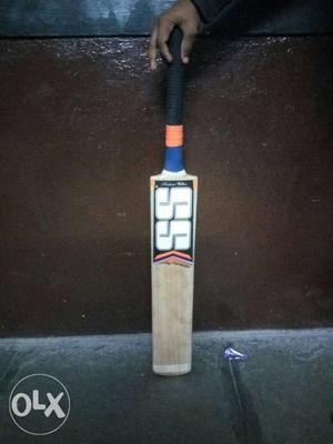 SS bat with good stroke and blade of English willow