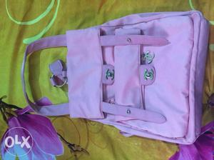 Baby pink hand pack can be used as back and side
