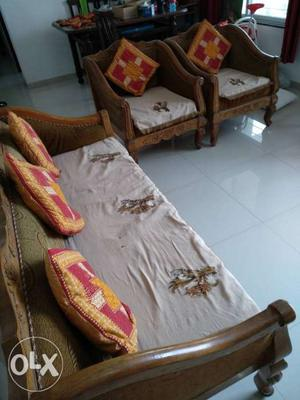 It's a saagwaan wood (solid wood) carved sofa set It's In a