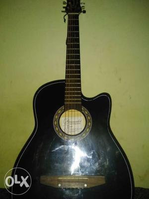 Granada y32 semi -electric guitar enriched with