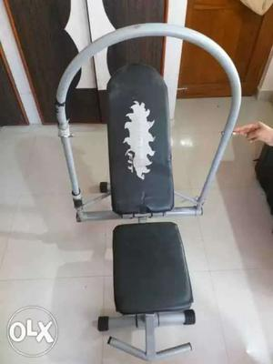 Black And White AB Cruncher Exercise Equipment