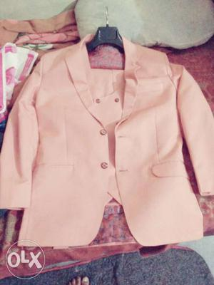 A brand new 3 piece suit for sale not wear a