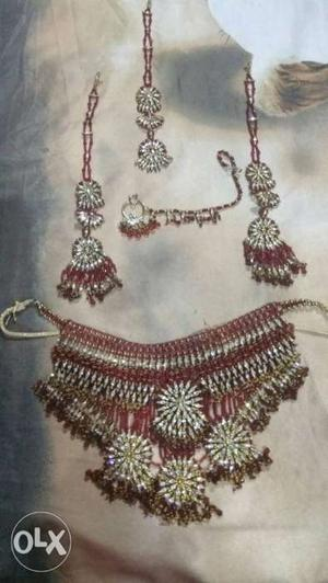 Bridal Jewellery set 1 year old only used once.
