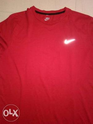 New Nike T_shirt with lable