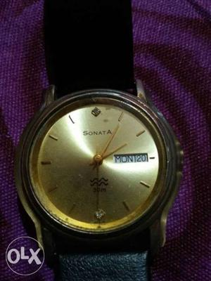 2yrs use.sonata wrist watch for men.leather