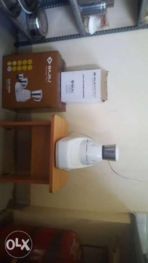 Bajaj 500 Watt Mixer Grinder in good condition