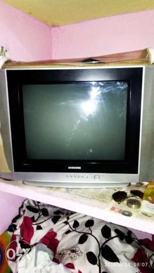 Good condition samsung colour tv