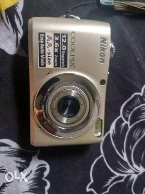 Nikon Coolpix L22 digital camera in excellent