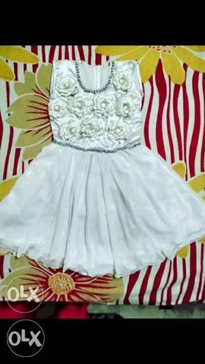 Fresh frock for 3/5 year old baby