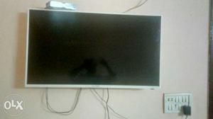 40inches Lloyd led TV in a very gud condition