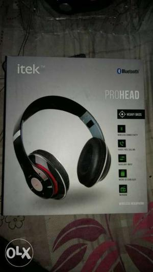 Black And Red Beats Solo 2 Wireless Headphones Box