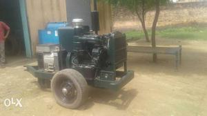 Green And Gray Diesel Generator