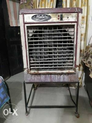 White And Maroon Malwa Evaporative Air Cooler
