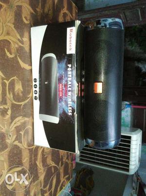 Robotek Bluetooth speaker 1week old best quality