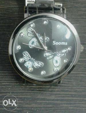 Fancy wrist watch for girls water resistant it is
