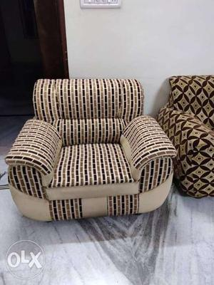 5 seater sofa set with covers and cushions. only