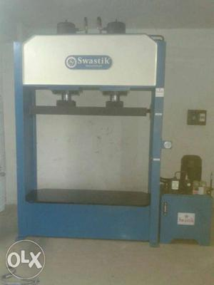 Baling machine Blue And White Swastik Press Machine