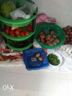 Three vegitable set.. one big basket.. one small