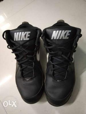 Nike Basketball Shoes Size UK 9