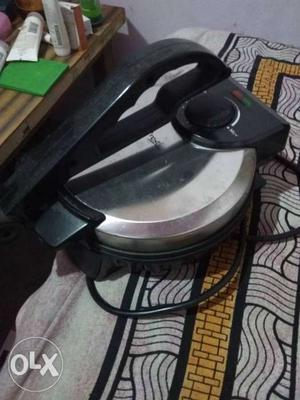 Prestige roti maker in a very new condition only