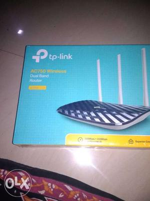 Black TP-Link AC750 Wireless Dual Band Router Box