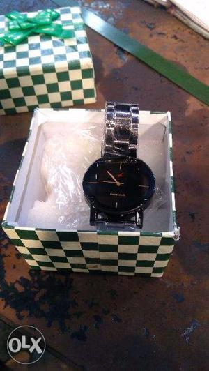 I want to sell my watch it's totally new Fastrack