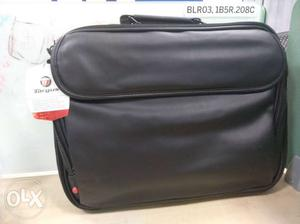Targus laptop bag: not used at all fresh piece,
