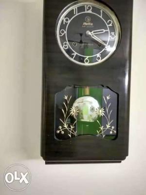 Antiquue wall clock