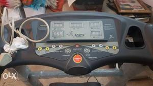 Branded treadmill idol for gym and home mint