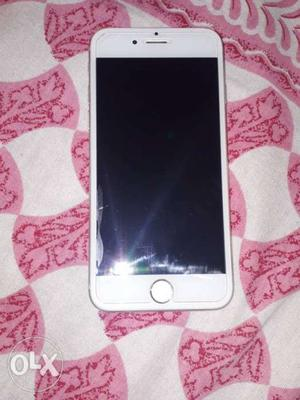 Iphone 6 white 16 gb its in a mint condition