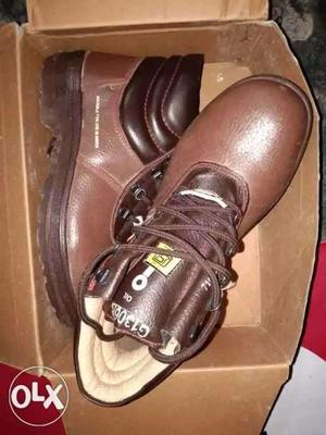 Brand new Original Boot prvtd by oil india ltd. Size 8 n 9