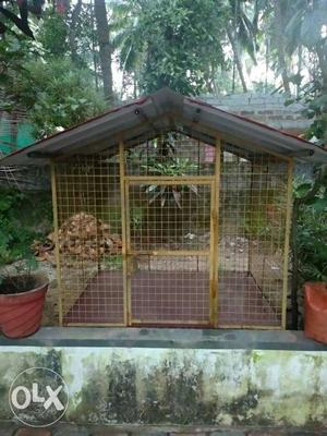 Dog shed.. For sale