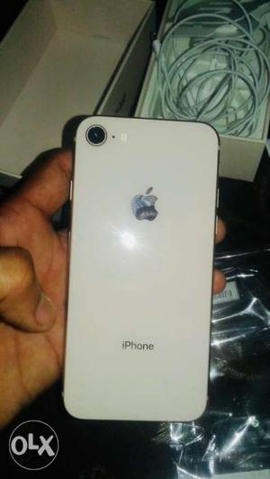 I want to sell my iphone 8 64 gb.. cream colour