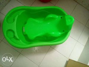 Baby bath tub for 1 month to 2 years baby have a
