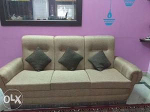 3+2 seater comfortable sofa set new condition