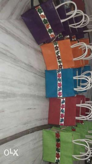 Jute thambhulam bags available in in 2 sizes