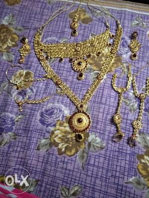 Bridal necklace set in gud condition