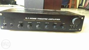 Black And Gray Audio Amplifier