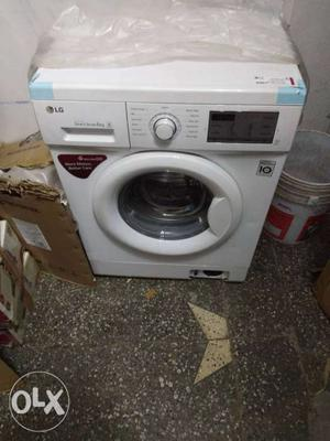 LG Fully front load washing machine 6Kg Brand new